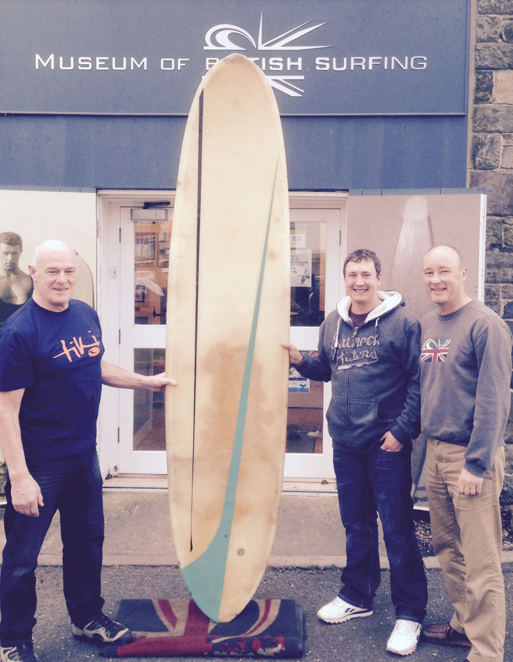 Vintage surfboard auction raising funds for museum