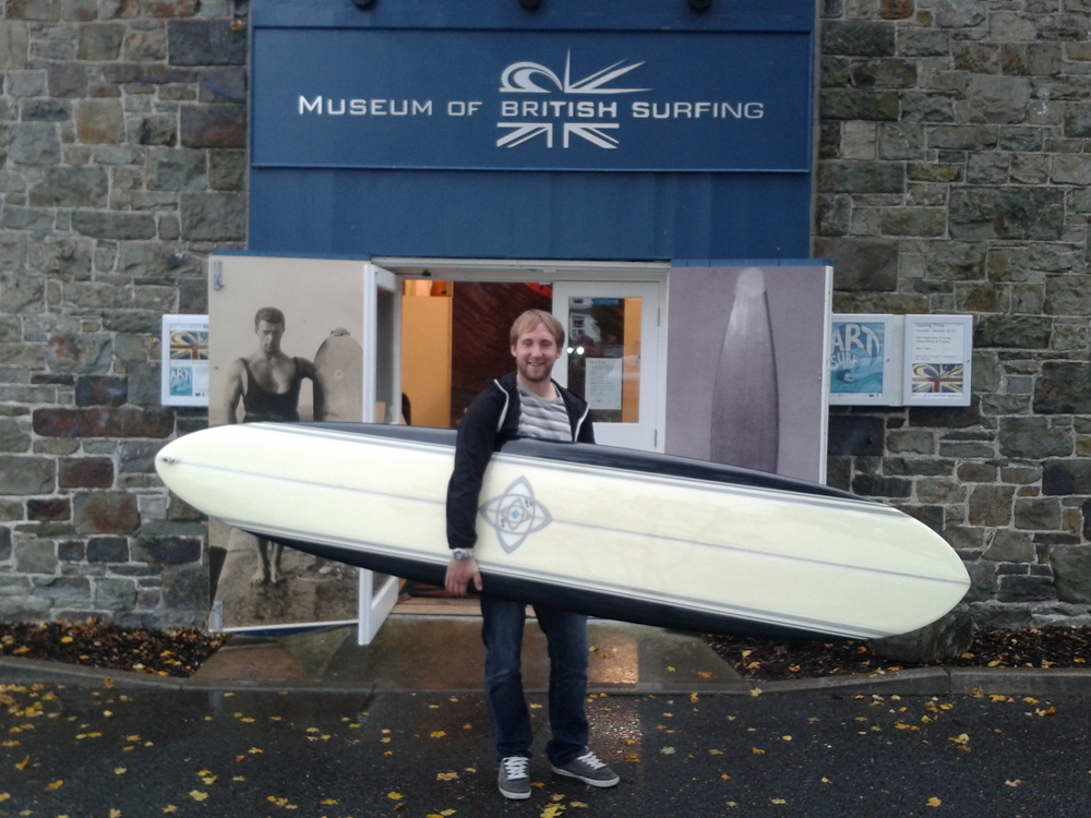 Charity auction raises £1,000 for surfing museum